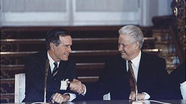 Σαν σήμερα: το τέλος του Ψυχρού Πολέμου