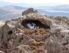 Η μοναδική εκκλησιά στον κόσμο χωρίς σκεπή. Βρίσκεται φυσικά σε ένα πανέμορφο νησί του Αιγαίου