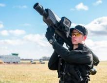 Ο φορητός εκτοξευτήρας «SkyWall» αναλαμβάνει δράση κατά των παράνομων «Drones»