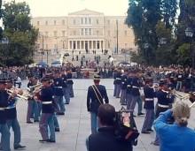 Ελληνική στρατιωτική μπάντα παίζει Rage Against the Machine (vid)