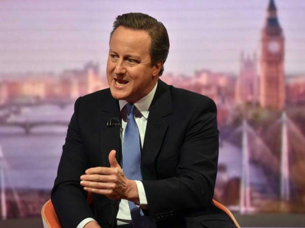 epa05358784 A handout image made available by the British Broadcasting Corporation (BBC) shows British Prime Minister David Cameron appearing on the Andrew Marr show at BBC Studios, Central London, Britain, 12 June 2016. Britons will vote on whether to remain in or leave the EU in a referendum on 23 June 2016.  EPA/JEFF OVERS / BBC / HANDOUT  HANDOUT EDITORIAL USE ONLY/NO SALES